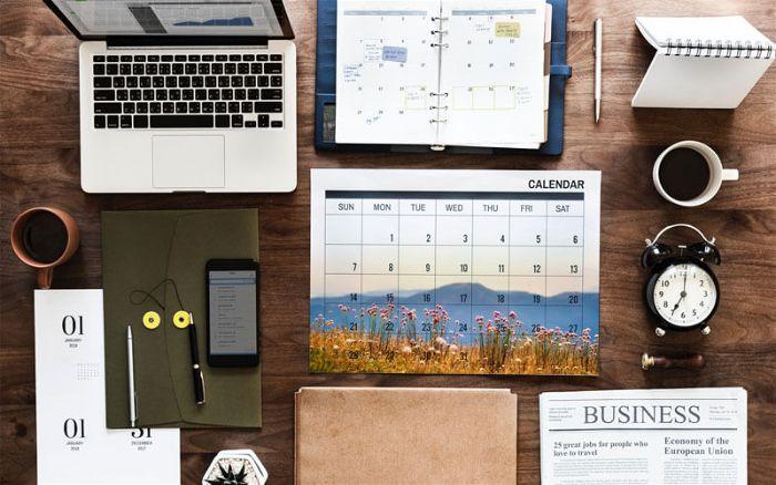 Giá thiết kế lịch, thiệp năm mới