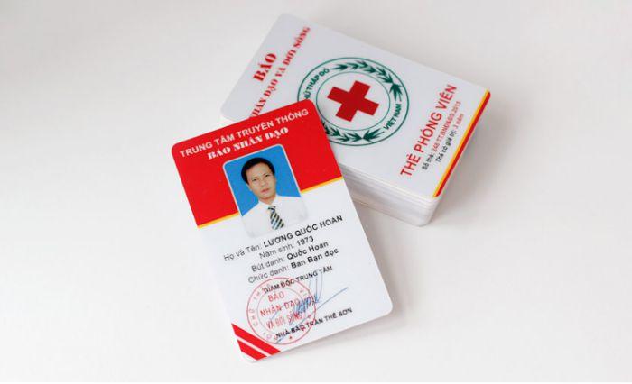 Mẫu thẻ đep nhân viên báo nhân dân